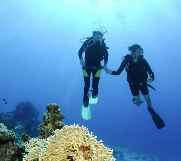 El buceo, nueva y funcional terapia de pareja